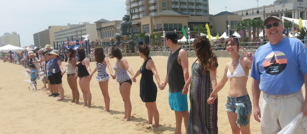 Hands_Across_the_Sand_Virginia Beach2015